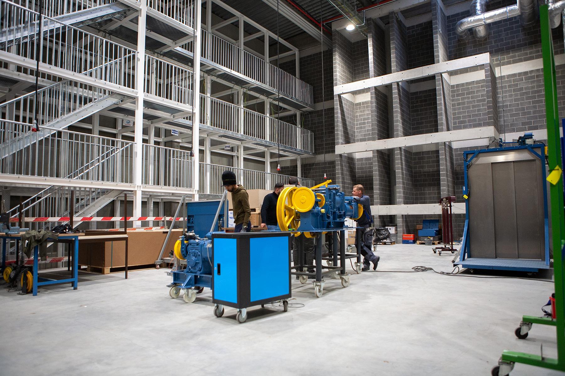 Atelier techniques d'ascenseurs
