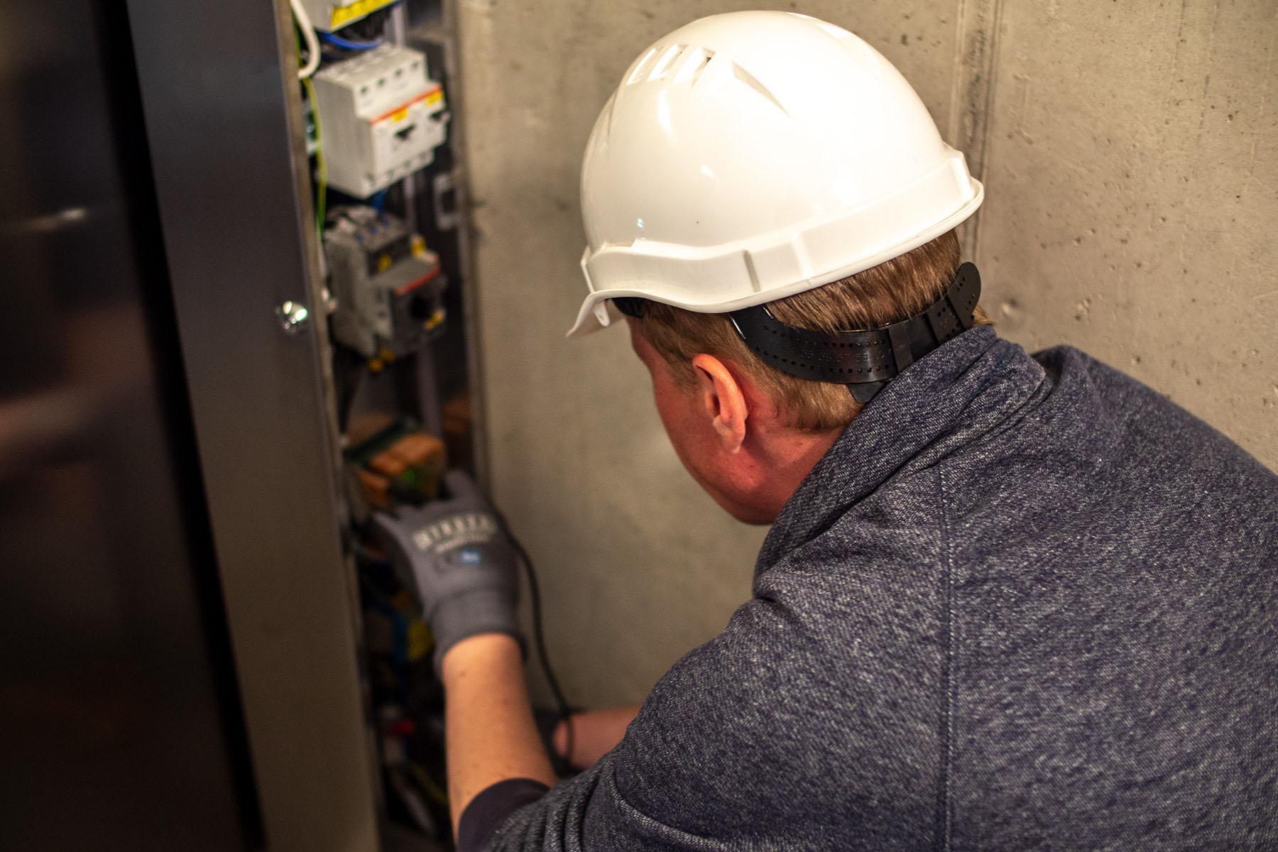 Initiation aux techniques des ascenseurs